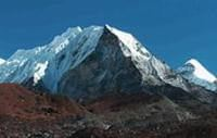 Climb Island Peak with Everest Base Camp