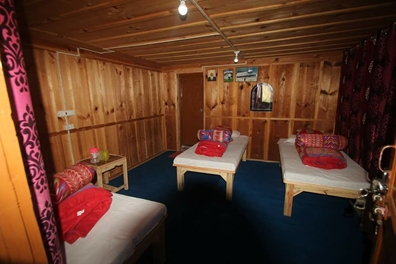 rooms of trekkers lodge sankri