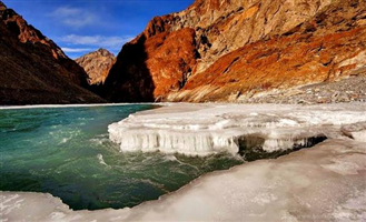 OrgBrandingNameForAlbumImages - Chadar - The Frozen River Trek Description2